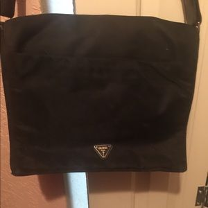 Authentic Guess messenger bag